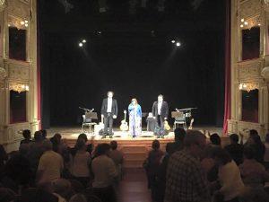 2015 Teatro Principal de Mao. Menorca. España junto a Dúo El Monte